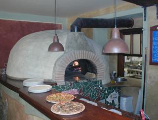 Capua Pizzeria Ristorante - Milady Horákové 1280/9, 170 00 Praha 7