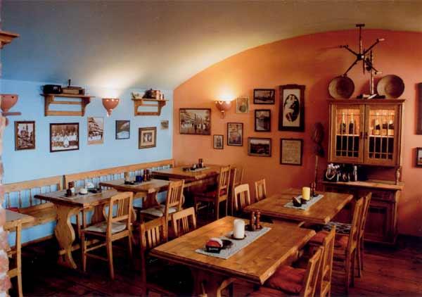 Pizzeria Rustica - Opletalova 1626/36, 110 00 Praha 1
