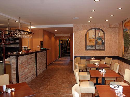 Pizzeria di Carlo II. - Pikrtova 1326/13, 140 00 Praha 4