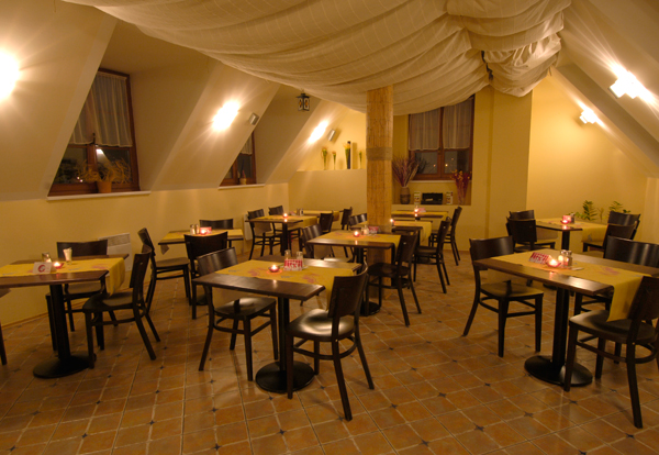 Pizzeria Tiamo - Podvinný mlýn 73/8, 190 00 Praha 9