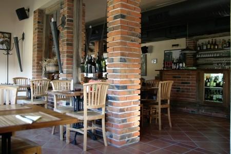 Pizzeria Al Capone - Pražská 96, 252 10 Mníšek pod Brdy