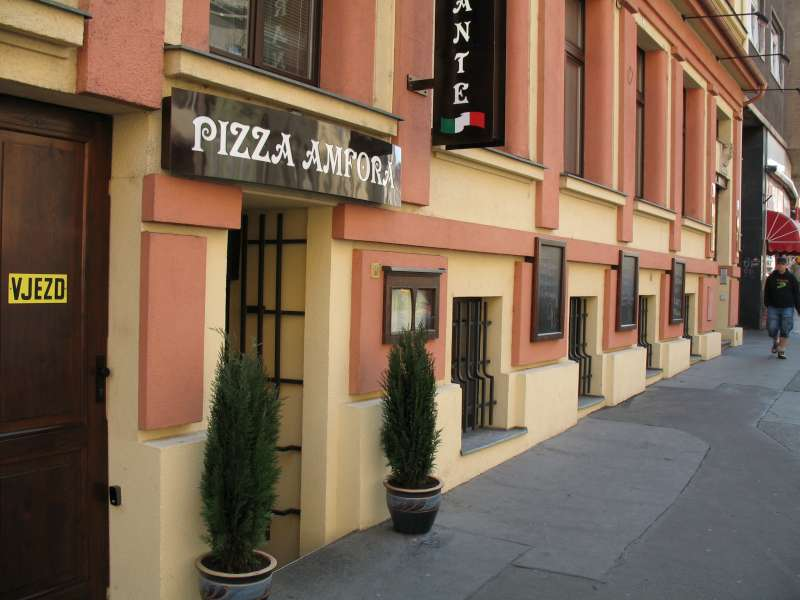 Pizzerie Amfora - Štěpánská 611/14, 110 00 Praha 1