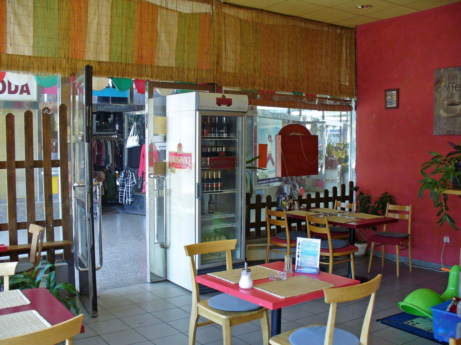 Pizzeria Vysočany - Sokolovská 202/314 - vestibul metra B, 190 00 Praha 9